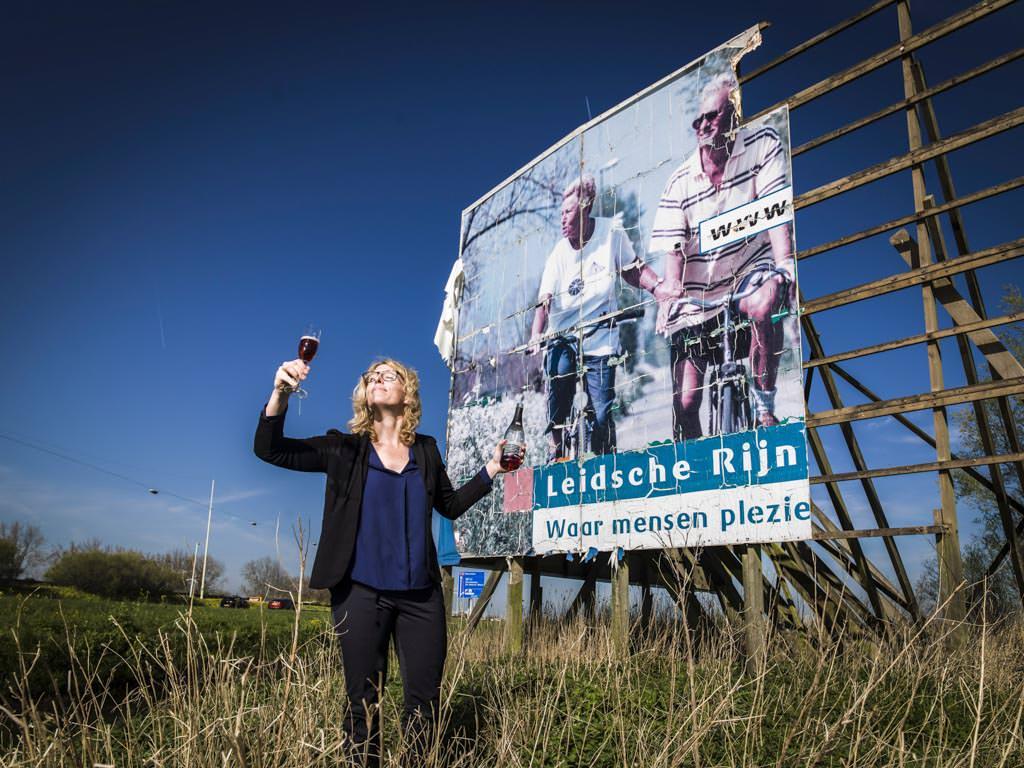 Columnist-writer Vinexvrouwtje celebrates Leidsche Rijn township, Utrecht, Netherlands